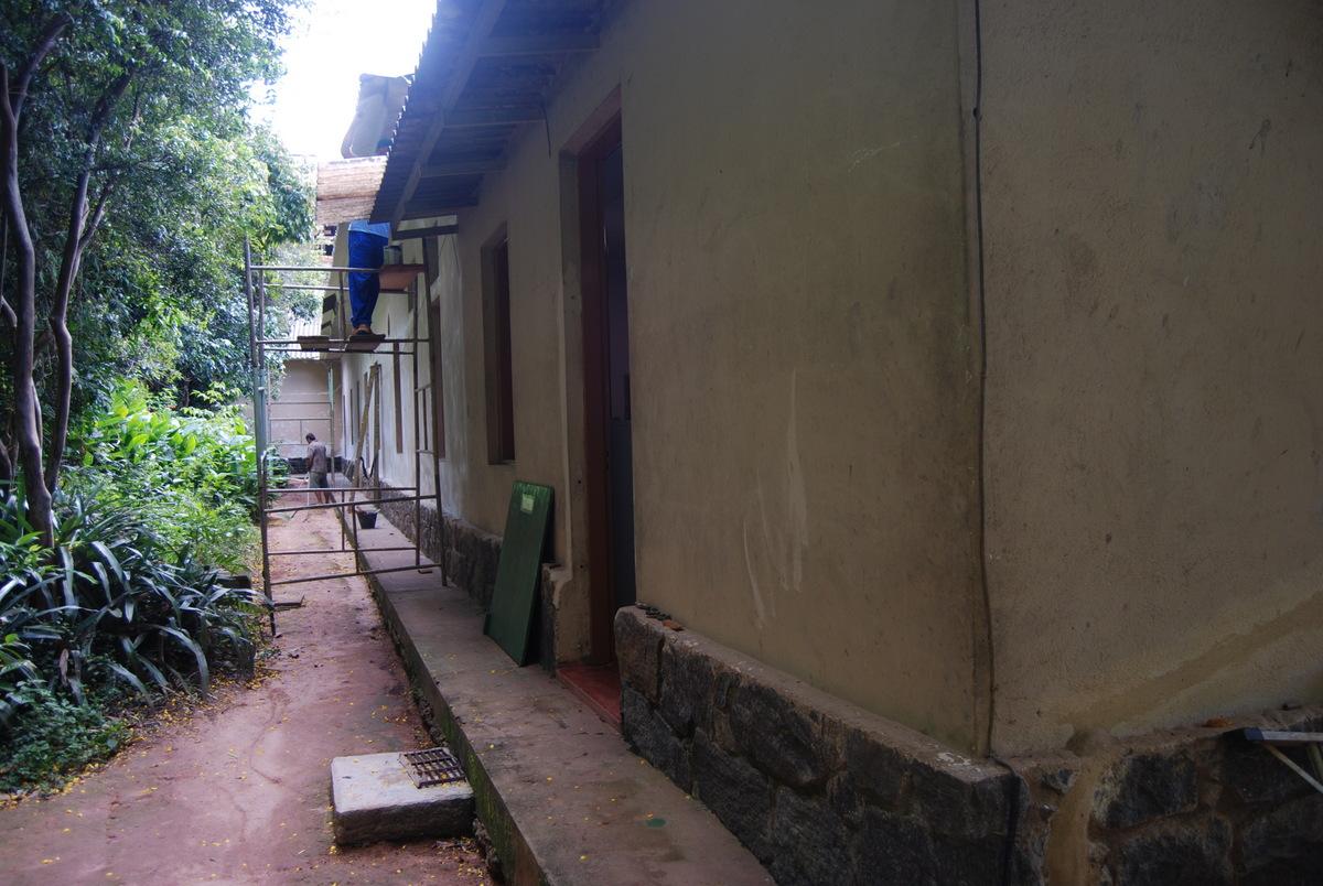 Área hoje destinada as pesquisas e coleções zoológicas (Primeira porta até as duas janelas seguintes)